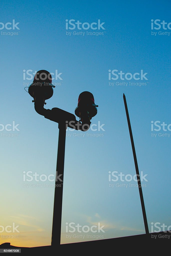 Silhouette Aircraft warning lights and lightning rod – Foto