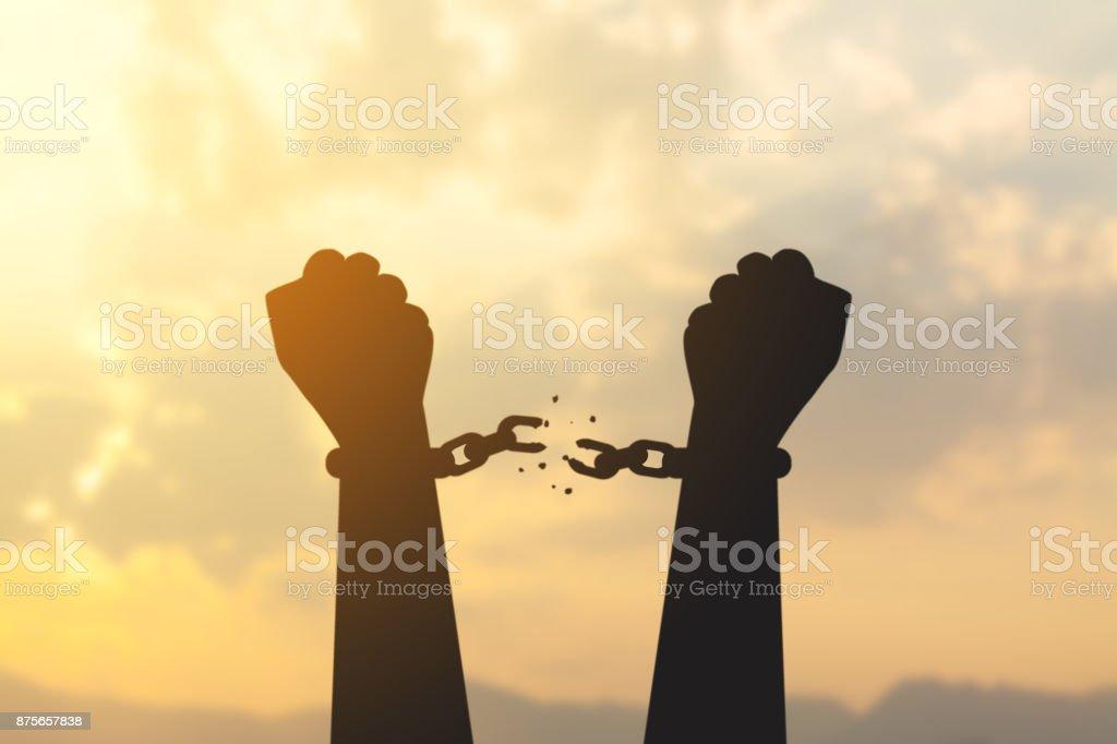 mão de silhueta com cadeia está ausente - foto de acervo