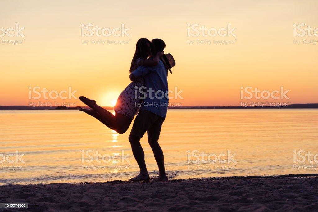 Picking Up Mädchen Der Strand