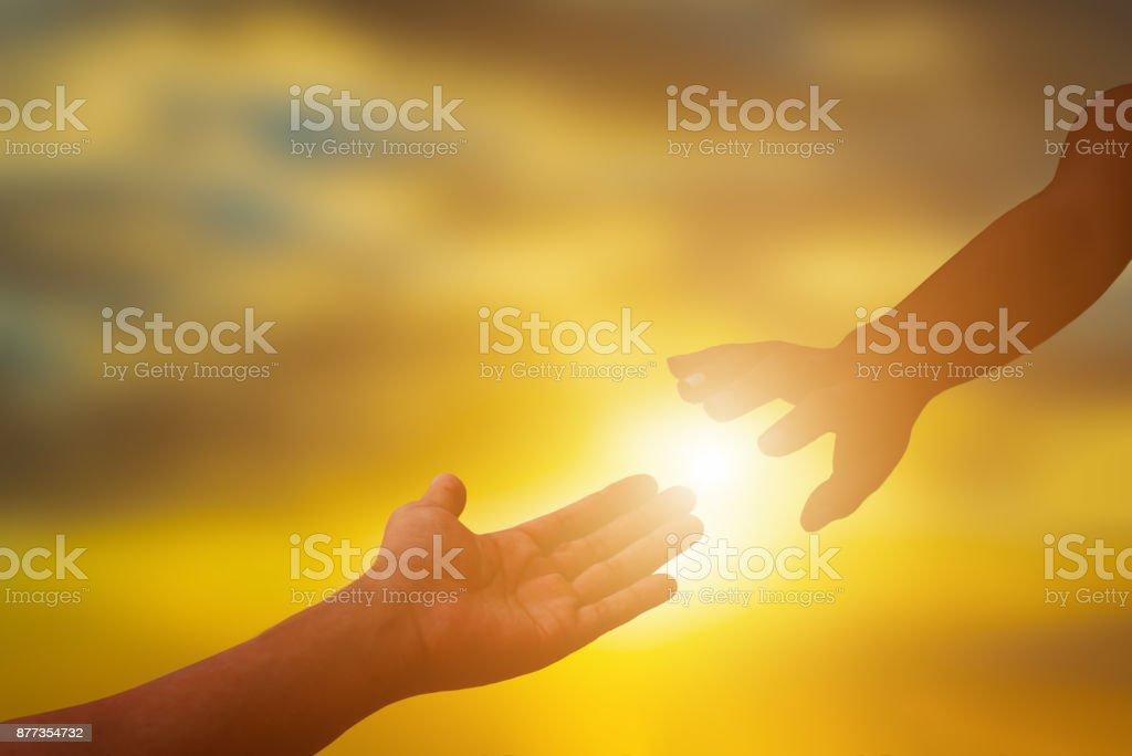 Silhouette der helfende Hand. – Foto