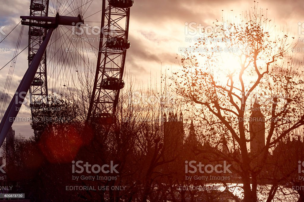 Silhouette of London Eye and Big Ben at sunset zbiór zdjęć royalty-free