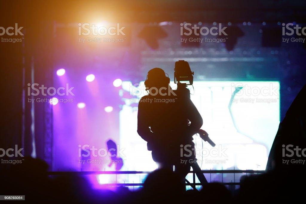 Silhouette der Kameramann arbeiten Konzert – Foto