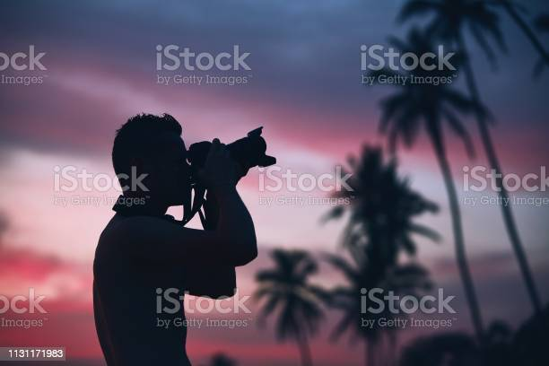 Silhouette of the photographer at sunset picture id1131171983?b=1&k=6&m=1131171983&s=612x612&h=a9iumv3j6tovoqx miebopdftg5eqt 8 hyhky 0di8=