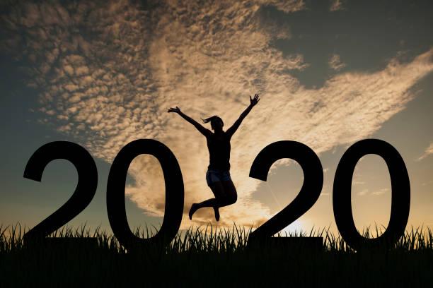 Silhouette junge Frau glücklich für 2020 neues Jahr – Foto
