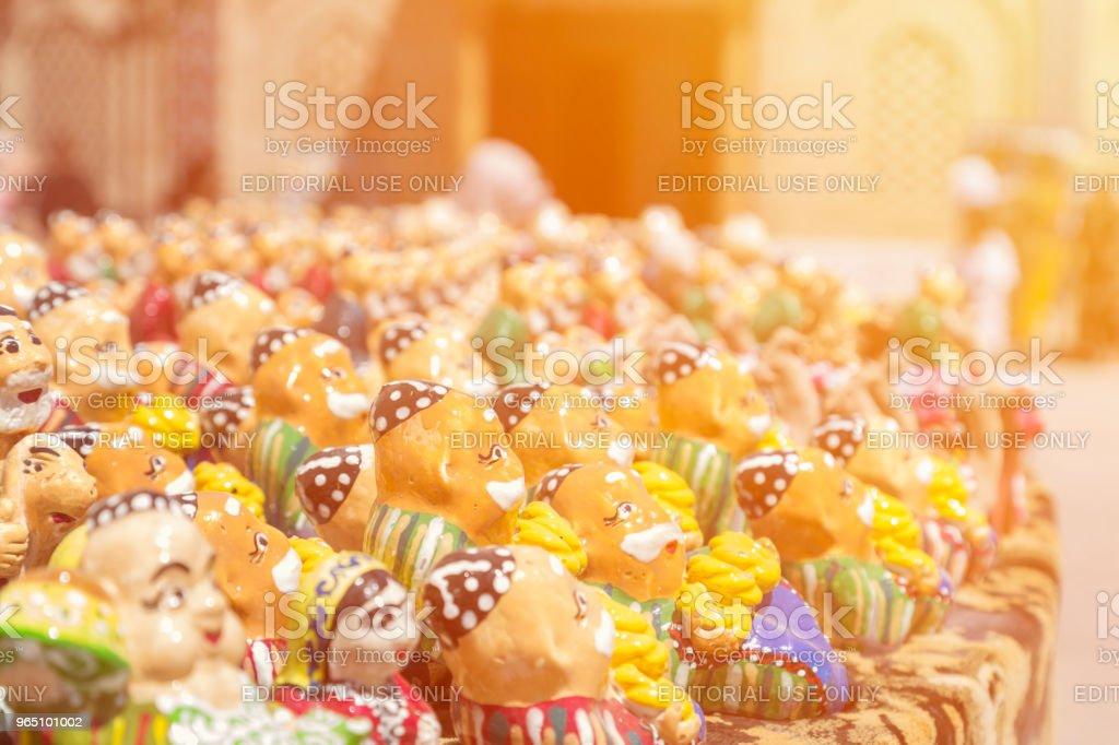 BUKHARA, UZBEKISTAN - MAY 25, 2018: Silk and Spices Festival 2018. Souvenirs shop in Bukhara, Uzbekistan. Gift Sets handmade. Uzbekistan National Souvenirs zbiór zdjęć royalty-free