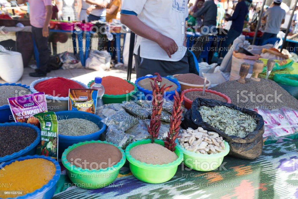 BUKHARA, UZBEKISTAN - MAY 25, 2018: Silk and Spices Festival 2018. Traditional asian spice bazaar in Bukhara, Uzbekistan. zbiór zdjęć royalty-free