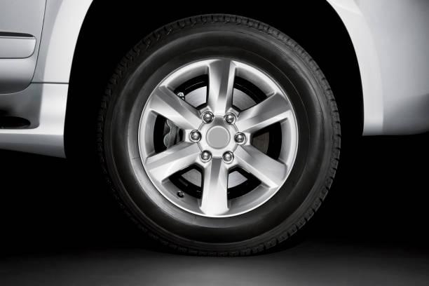Silber-Legierung Rad und Bremse auf Reifen – Foto