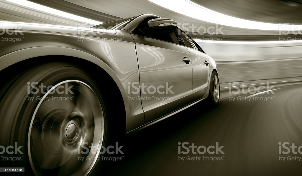 Argent dans un tunnel de vitesse - Photo