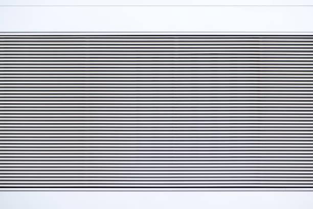 silver corrugated metal background / louver - com portada imagens e fotografias de stock