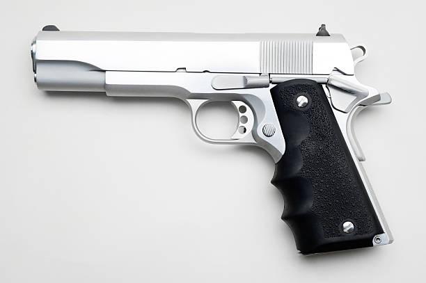 Silver Pistole Isoliert – Foto