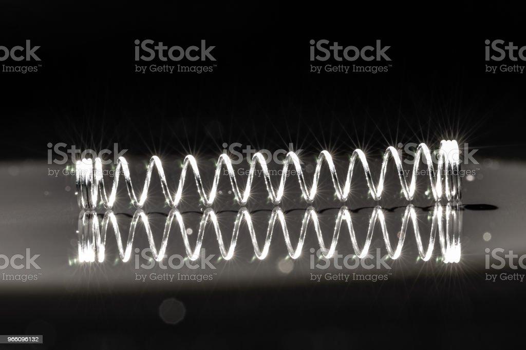Silver metall penna våren 6 - Royaltyfri Abstrakt Bildbanksbilder