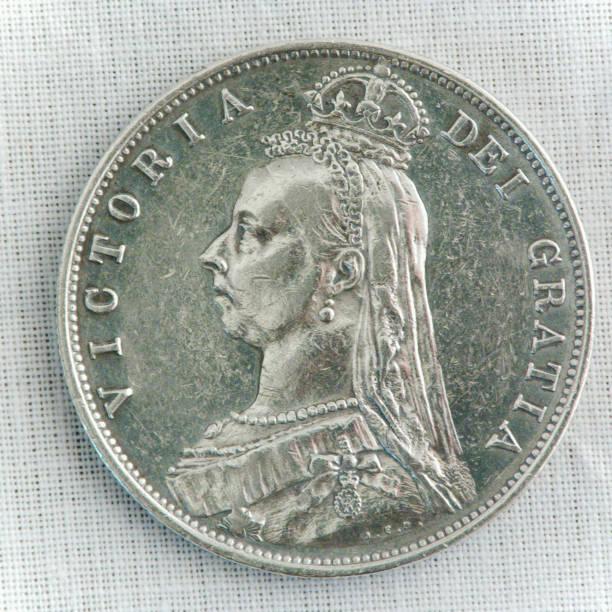 Prata semi-coroa vitoriana, anverso - foto de acervo