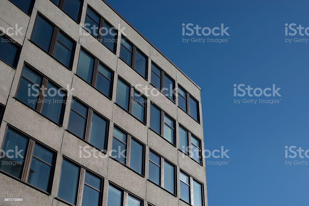 Simple building under Blue Sky photo libre de droits