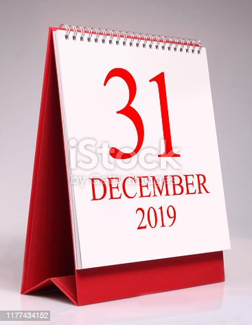 istock Simple desk calendar for New year eve 2020. 1177434152