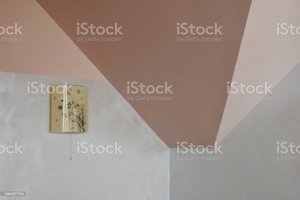 天井と壁のシンプルな内装 ストックフォト