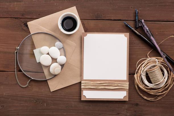 einfache rustikale hochzeitseinladung, leer. - do it yourself invitations stock-fotos und bilder