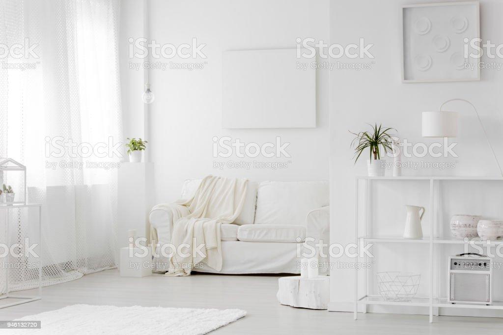 Intérieur de salon blanc simple photo libre de droits