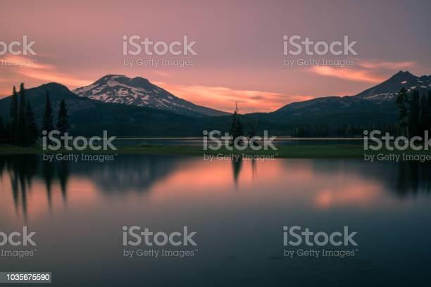 Photo of Simplistic sunset at Sparks Lake, Oregon