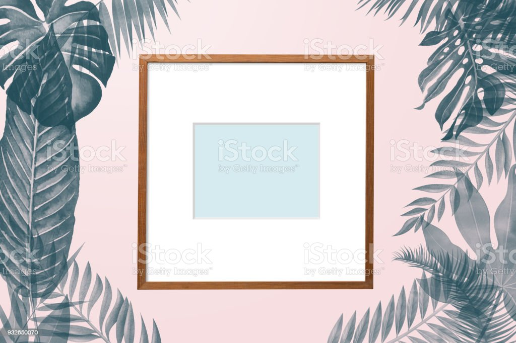 Simply Creative Nature Frame Made Of Tropical Palm And Fern Leaves ...