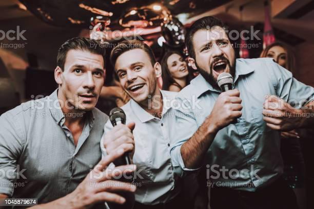Sing microphone trendy modern nightclub boys picture id1045879674?b=1&k=6&m=1045879674&s=612x612&h=   gwomnd5coskwyorfkw0u8fygquy3q3d1zojltvf4=