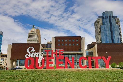 Sing The Queen City 3d Art In Cincinnati Stock Photo - Download Image Now