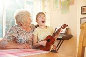 istock singalong with grandma 646570600