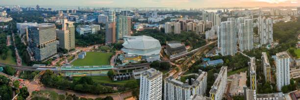 singapore mass rapid (mrt) buona vista tågstation - walking home sunset street bildbanksfoton och bilder