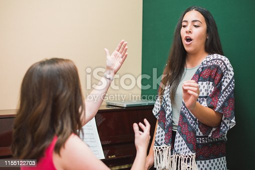 1155122702 istock photo Singing Lessons 1155122703
