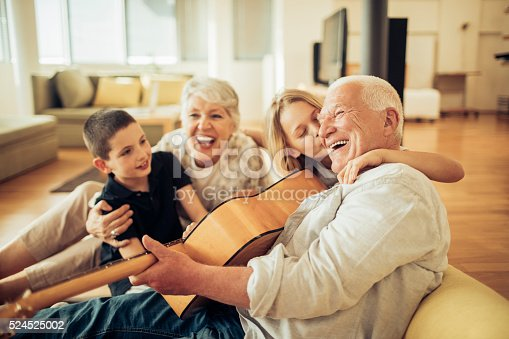 istock Singing together 524525002