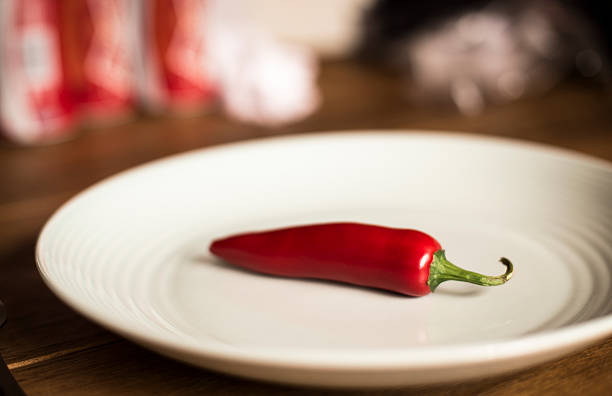 Großes Chili-Schote auf die pale blue plate. – Foto