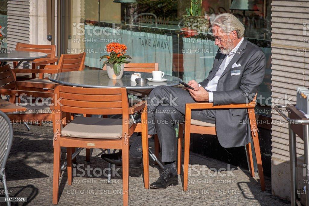 single cafe berlin wann melden nach kennenlernen