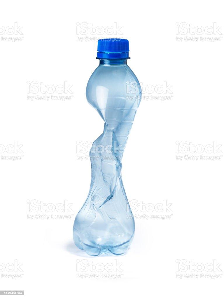 décharge d'ordures seule bouteille en plastique - Photo