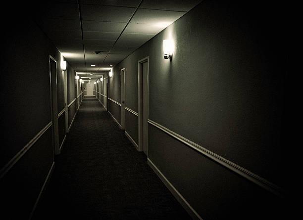 sinister korytarz - motel zdjęcia i obrazy z banku zdjęć