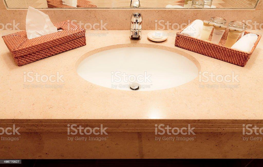 Waschbecken und andere Accessoires – Foto