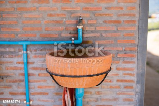 istock Sink clay with Thai local style, easy and simply 656685474