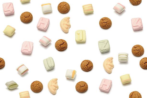 sinterklaas sweets - kruidnoten stockfoto's en -beelden