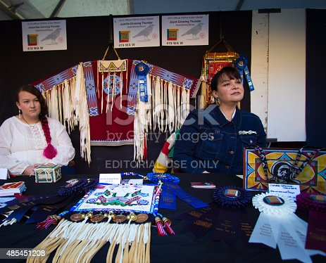 istock Sioux Bead Artists at the 2015 Santa Fe Indian Market 485451208
