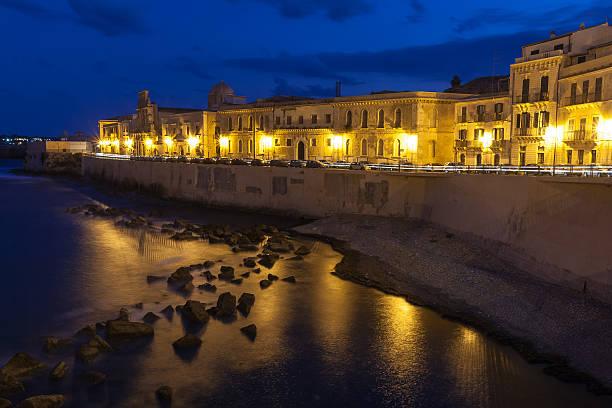 siracusa - historic sicilian city - ortygia stock-fotos und bilder