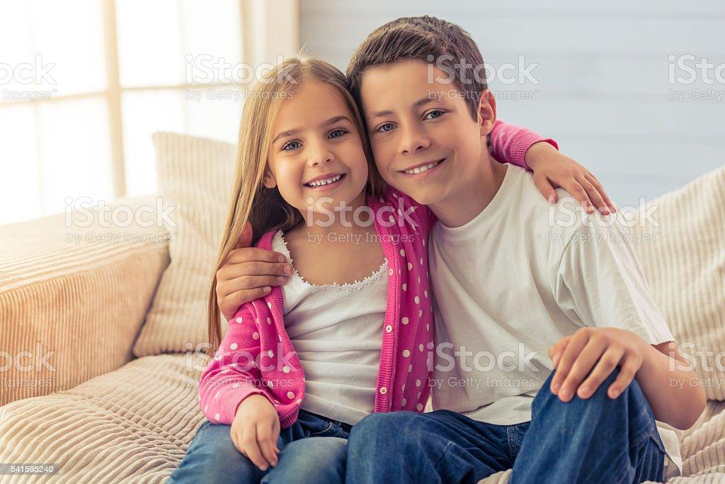 Schwester und Bruder  – Foto