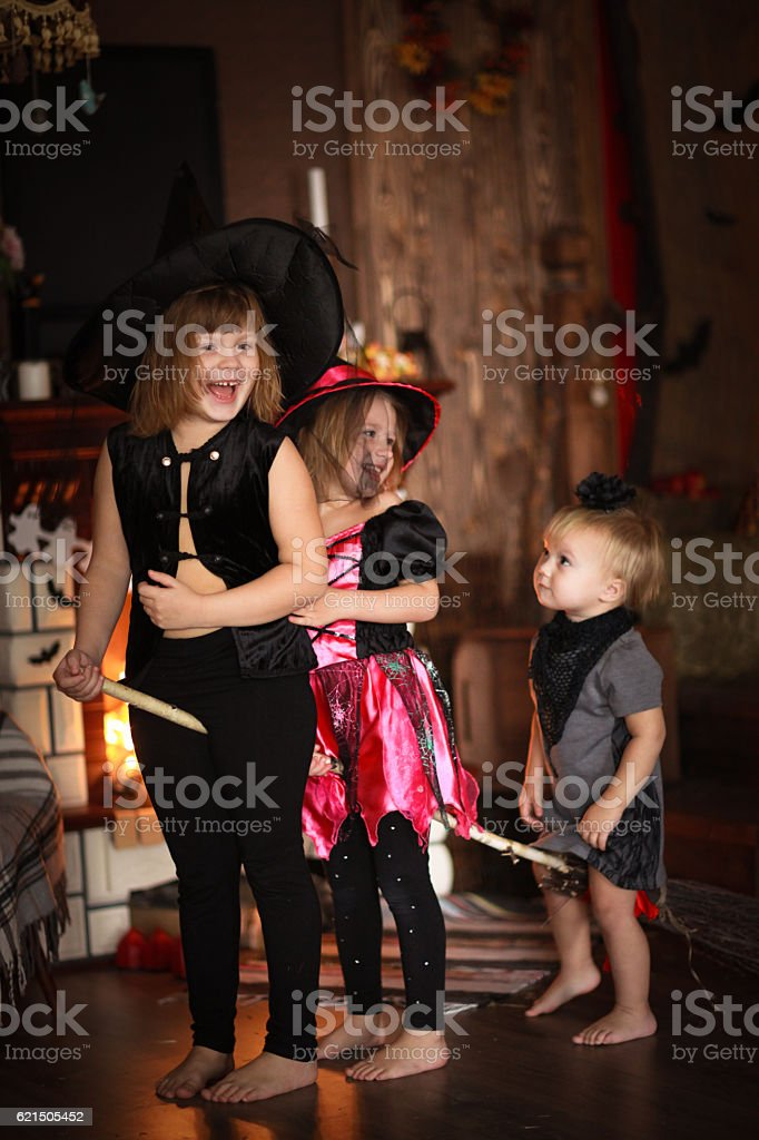 sisters Girls witch with  broom . Halloween photo libre de droits