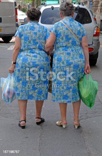istock Sisters 157198757