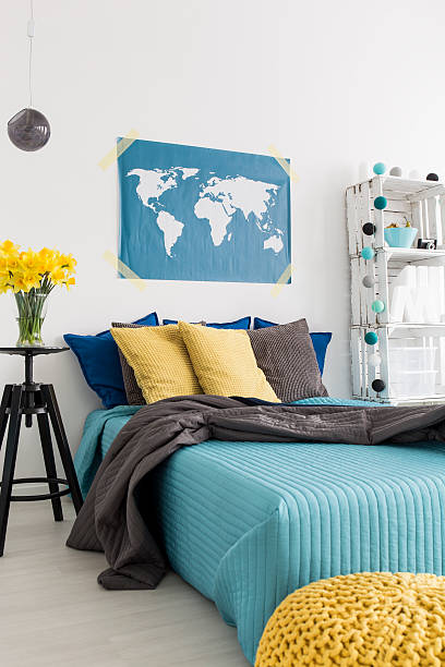sit on the edge of the bed and relax - do it yourself hochbett stock-fotos und bilder