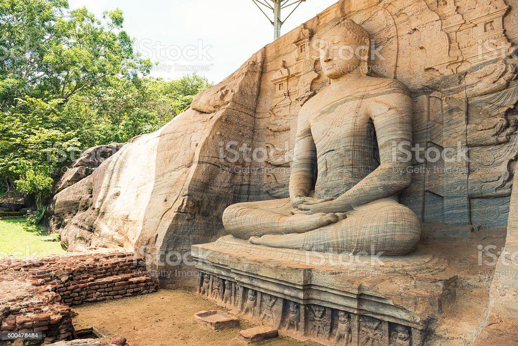 Séance de sculpture de Bouddha au Gal Vihara - Photo