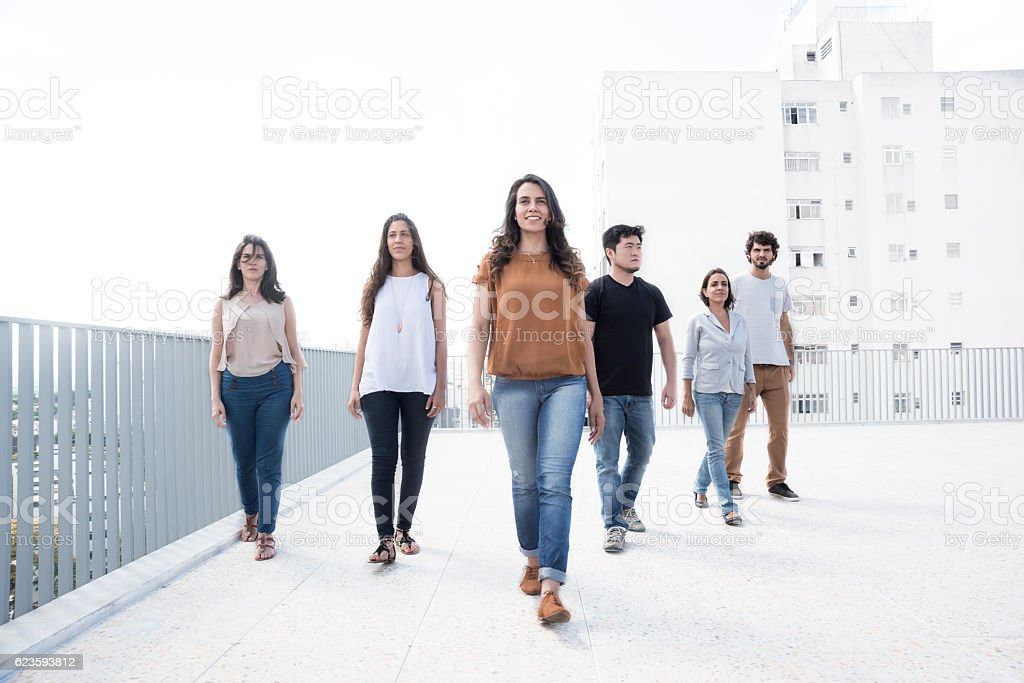 Six young adults on rooftop – Foto
