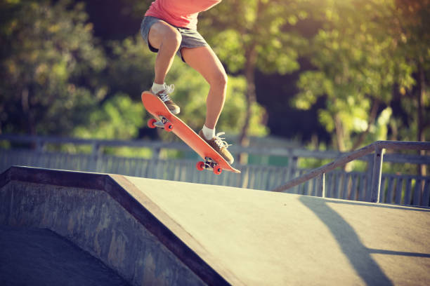Skateboarder Skateboarden im skatepark – Foto