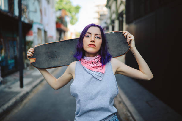 skater girl portrait in the streets of palermo, buenos aires - showus стоковые фото и изображения
