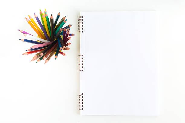 skecthbook mock up for artwork with watercolor paints, pastels, - kreide farbe schreibtisch stock-fotos und bilder