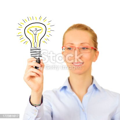 istock Sketching Light Bulb on Whiteboard 172381617