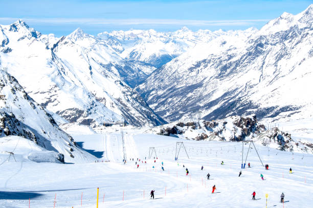 Ski cource down to zermat from plateau rosa in march picture id962590456?b=1&k=6&m=962590456&s=612x612&w=0&h=5ddwmmtt03ttvosr4ml 4selhnlo  1fbxcgo xfsio=