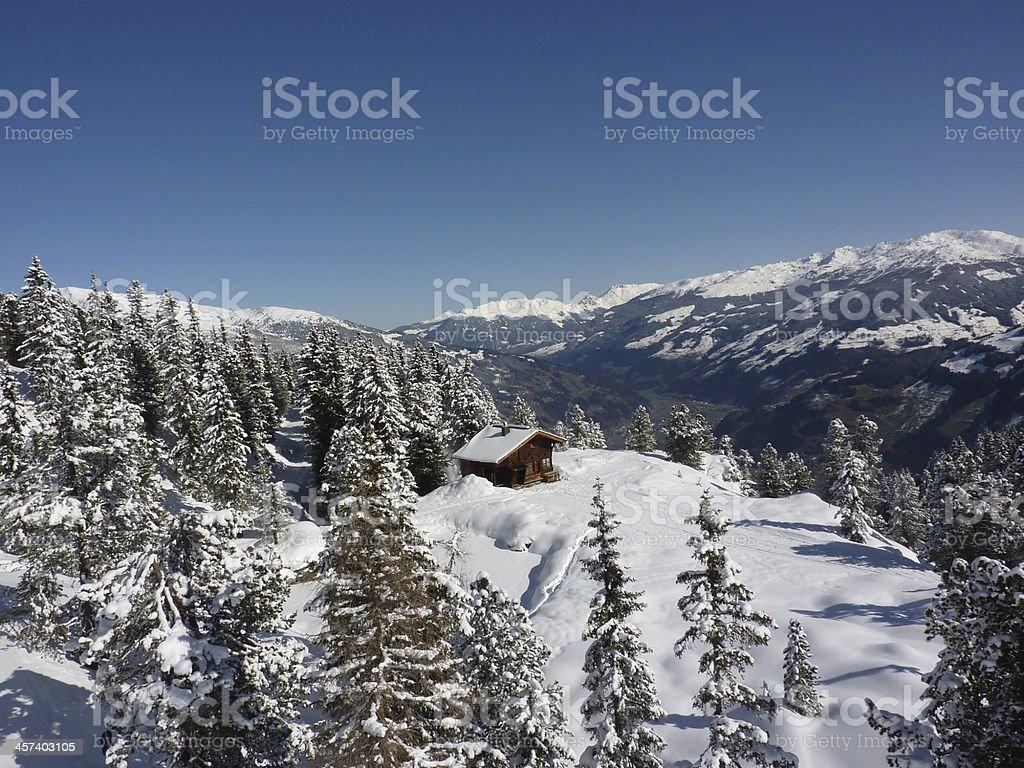 Ski-Hütte im winter forest – Foto